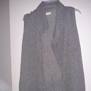 Long sleeveless cardi/vest